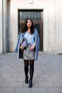 casual everyday look with sequins Sequin Mini Skirt minirock pailletten esprit kombinieren winterlook chic mango blogger modeblog berlin samieze