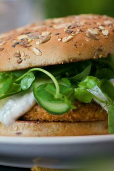 Add some zest to your summer with a fresh Greek-inspired quinoa burger, nestled between Dave's Killer Bread 21 Whole Grains and Seeds Buns for the ultimate bite. #ad Tasty Vegetarian Recipes, Real Food Recipes, Cooking Recipes, Yummy Food, Healthy Recipes, Cooking Beef, Oven Cooking, Cooking Ideas, Healthy Snacks