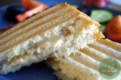 Superschmelz-Käse, natürlich vegan - und selbstgemacht. Kommt auf die Nachkoch-Liste!