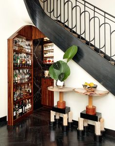 Staircase Landing, Famous Interior Designers, Villa, Madison Avenue, Kelly Wearstler, Hallway Decorating, Danish Design, Chair Design, Design Trends