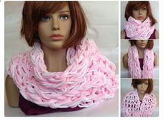 sciarpa infinity sciarpa infinity bianca e rosa di knittyshop