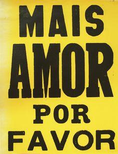 """Lambe-Lambe """"Mais Amor Por Favor"""" (amarelo 2015) da Bons Pensamentos."""