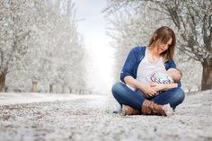 #nursing #breastfeeding #bonding #natural #mommy  #breast #nature #blossom Nursing Photography, Baby Pictures, Breastfeeding, Bond, Daughter, Couple Photos, Couples, Natural, Beautiful