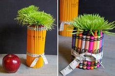Una plantita para decoración hecha con lapices o crayolas.