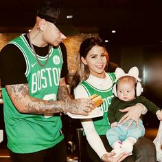 Country music star Kane Brown's baby girl, Kingsley Rose Brown, is only three months old--- but she's living the good life! Just look at her nursery! Country Music Artists, Country Music Stars, Country Singers, Pretty Boys, Cute Boys, Three Month Old Baby, Parents Images, Faux Locs Hairstyles, Kane Brown