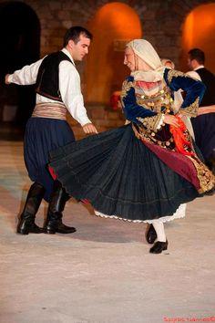 Salaminas © Spyros Nannos Folk Costume, Costumes, Greek Traditional Dress, Folk Clothing, Dance Dresses, Tulle, Ballet Skirt, Culture, Albania