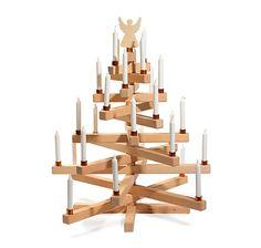 Weihnachtsbaum aus heimischem Buchenholz, entworfen und hergestellt im Montafon – jetzt bei Servus am Markplatz kaufen.