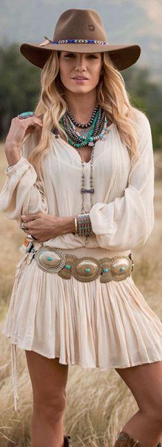 """We love Bohemian Chic"" - We Love Boho Ethno Style, Gypsy Style, Hippie Style, Bohemian Style, Hippie Gypsy, Boho Outfits, Fashion Outfits, Womens Fashion, Estilo Cowgirl"