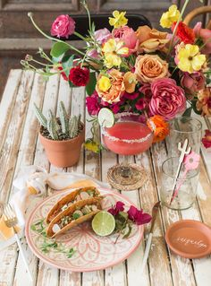 Let's Taco Bout It: A Cinco de Mayo Party Brimming with Cactus + Colorful Accent. Let's Taco Bout It: A Cinco de Mayo Party Brimming with Cactus + Colorful Accents - Green Wedding Shoes. Mexican Birthday, Mexican Party, Fiestas Party, Theme Color, Reception Decorations, Mexico Party Decorations, Mexican Wedding Decorations, Mexican Weddings, Party Planning