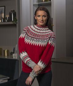 Sonja genser i str. L til XXL - Viking of Norway Cute Sweaters, Sweaters For Women, Fair Isle Knitting Patterns, Icelandic Sweaters, Knit Art, Sweater Weather, Christmas Sweaters, Knit Crochet, Baby Alpaca
