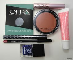 Mid-Winter Beauty Giveaway / Open worldwide / Closes on Friday, February 24, 2017 by 11:59pm