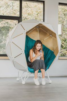 The Planet - personal relax zone. Unique Furniture, Rustic Furniture, Diy Furniture, Coworking Space, Chair Design Wooden, Lounge Chair, Relax, Wood Sofa, Diy Bench