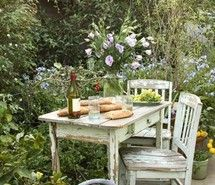 In the garden having a piece of french bread with olive oil...and some salad too....mmmmmmmmmmmmmm