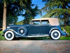 1934 Lincoln Model KB Convertible Sedan by Dietrich (271-281)