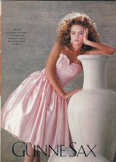 Prom gowns are going romantic! Full-length pink taffeta-confections - like those from Gunne Sax -- are the hottest-selling dream creation as high school prom season nears. Take a look back! Vintage Prom, Mode Vintage, 1980s Prom, Moda Retro, 80s And 90s Fashion, 1980s Dresses, Dresses Dresses, Pretty Dresses, Prom Photos