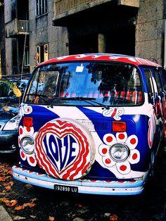 Red white and blue - hippie-van