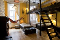 A Complete Guide to Hostels: How to Find the Best Ones and What to Pack