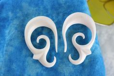White Plugs for Gauged Ears - Stretch Plugs - C056
