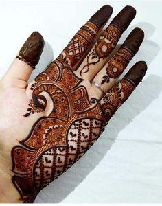 Mehndi is something that every girl want. Arabic mehndi design is another beautiful mehndi design. We will show Arabic Mehndi Designs. Henna Hand Designs, Mehndi Designs Finger, Palm Mehndi Design, Peacock Mehndi Designs, Simple Arabic Mehndi Designs, Mehndi Designs 2018, Modern Mehndi Designs, Mehndi Design Pictures, Mehndi Designs For Girls