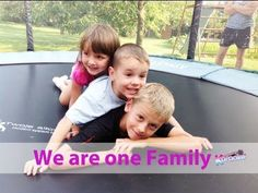 WE ARE ONE FAMILY (Beautiful healing songs for children with karaoke)