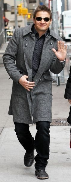 Jeremy on his way to Letterman, rocking yet another gorgeous coat. (from jeremyloverobsessedmoi on Tumblr)