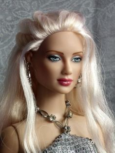 Angelina photo by Cynthia Witt #dollchat  necklace and dress neckline