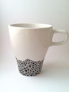 Hand-painted coffee mug black & white by trinako on Etsy - Ceramics - Painted Coffee Mugs, Hand Painted Mugs, Cute Coffee Mugs, Cute Mugs, Black And White Coffee, White Coffee Cups, Black White, Pottery Painting, Ceramic Painting