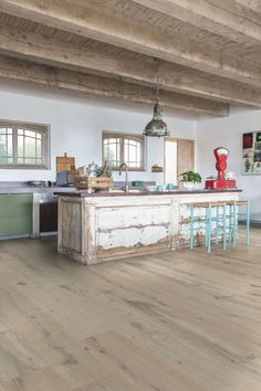 oiled oak flooring extra mat Winterstorm, Massimo range.  Dimensions of board: length 240 cm x width 26 cm.  Thickness 14 mm.  1 box = 2.496 m2.  4 original models: Chocolate, Winter Storm, Cappucino and Frosted Blonde.  From 114.90 euros per m2.  Quick-Step.