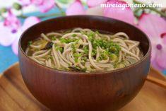 Fideos de soba con caldo de shiitake y kombu http://www.mireiagimeno.com/recetas/fideos-de-soba-con-caldo-de-shiitake-y-kombu