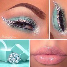 Tiffany inspired wedding bridal makeup natural avangard sparkle turquiose eyeshadow silver liner nude lips