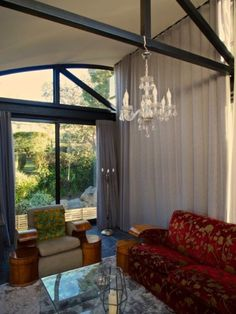 Tamboerskloof Bed Penthouse Stunning views of the city and Table Mountain Gumtree South Africa, Table Mountain, Flat Rent, Stunning View, Cape Town, Valance Curtains, City, Bed, House