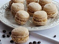 Espresso Italian Macarons Italian Macarons, Italian Recipes, Espresso, Hamburger, Cooking Recipes, Bread, Baking, Breakfast, Food