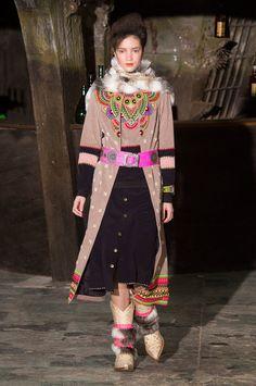 Manish Arora at Paris Fashion Week Fall 2016 - Runway Photos