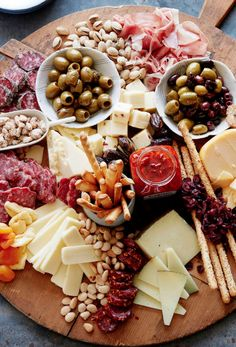 The Ultimate Appetizer Board from www. (What's Gaby Cooking) The Ultimate Appetizer Board from www. (What's Gaby Cooking) Snacks Für Party, Appetizers For Party, Appetizer Recipes, Meat Appetizers, Appetizer Ideas, Appetizer Plates, Birthday Appetizers, Party Recipes, Birthday Parties