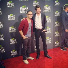 James and Carlos at the 2013 MTV Movie Awards carlos with glasses, dead