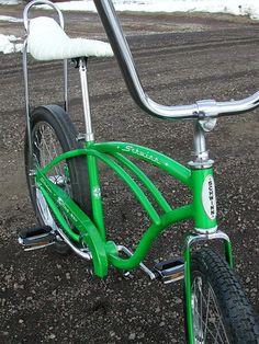 Vintage Schwinn Bikes, Vintage Bicycles, Classic Bikes, Classic Toys, Cafe Racer Leather Jacket, Drag Bike, Lowrider Bike, Bicycle Pedals, Chopper Bike