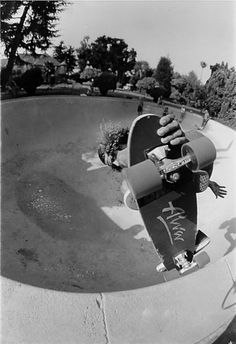 skateboarding and z boys Skateboarding's jay adams dies at age 53: watch stacey peralta's 2001 documentary 'dogtown and z-boys' - illustrating the emergence of skateboarding in the.