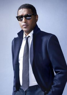 Babyface is a professional musician who is best known for being one of the top R&B singers in the country. Soul Music, Music Love, Soul Jazz, Soul Singers, Toni Braxton, Neo Soul, American Music Awards, Gibson Les Paul, Indie Music