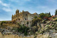 Em Fotos - Calábria/Púlia #calabriainfoco #architecture #beach #Calabria #CentroHistórico #church #historic #Igreja #Italia #landmark #Landscape #old #Paisagem #people #rocks #Sea #seascape #Sul #Tropea
