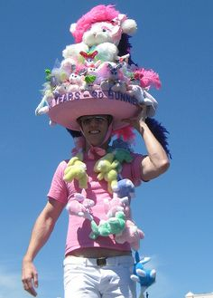 This woulda won the Clapper Easter bonnet competition. Easter Hat Parade, Easter Eggs, Easter Bonnets, Easter Egg Designs, Crazy Hats, Spring Party, Easter Holidays, Spring Has Sprung, Holidays And Events