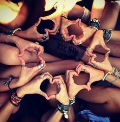Image about love in BFF by on We Heart It Best Friend Pictures, Bff Pictures, Cute Photos, Artsy Photos, Best Friend Goals, My Best Friend, Foto Portrait, Best Friend Photography, Friend Poses