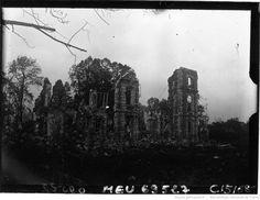 Genvry [Oise], près de Noyon, ce qu'il reste du château : [photographie de presse] / Agence Meurisse | Gallica