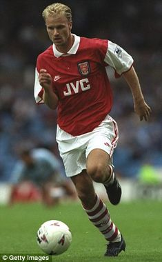 JVC were Arsenal's sponsors when Dennis Bergkamp signed in 1995 Arsenal Football Club, Arsenal Players, Football Icon, Arsenal Fc, Football Wall, Manchester Derby, Premier League, Messi, Fernando Torres
