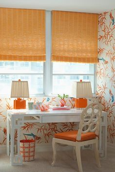 Palm Beach Decor - FAB wall paper with Tropical Birds. and Peach blinds, lamps. home office Decor, Palm Beach Style, Beach Chic Decor, Palm Beach, Beach Cottage Style, Beach Style Decorating, Cottage Style, Home Decor, Palm Beach Decor