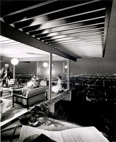 SHULMAN Architect Pierre Koenig's 1960 Stahl House, Case Study House Los Angeles, California. –Image by © Julius ShulmanArchitect Pierre Koenig's 1960 Stahl House, Case Study House Los Angeles, California. –Image by © Julius Shulman Baroque Architecture, Modern Architecture, Modern Buildings, Zaha Hadid, Stahl House, Pierre Koenig, Architectural Photographers, Architectural Sketches, Architectural Elements