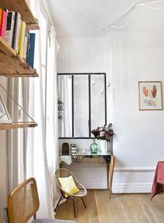 Nantes: bei Mathilde Cabanas - Hauspläne in 2019 Dresser In Closet, Dresser Top, Flat Interior, Construction Design, Cool Diy Projects, Craft Projects, Planer, Decoration, Diy Furniture
