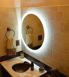 our round side lighted mirror
