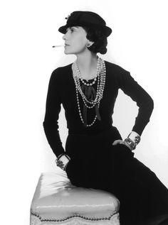 Amo il #lusso. Esso non giace nella ricchezza e nel fasto ma nell'assenza della volgarità. #CocoChanel #Chanel