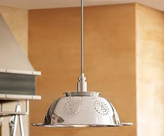 DIY Colander Light What a simple, yet perfect element to add above your kitchen island! Home Lighting, Kitchen Lighting, Colander Light, Diy Light Fixtures, Diy Craft Projects, Wine Recipes, Home Improvement, Home Decor, Pendant Lights
