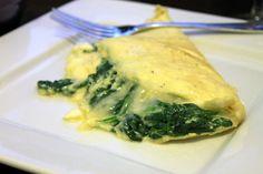 Prepara un omelette de espinacas para tu desayuno, verás que rico sabe. Las espinacas tienen muchas propiedades benéficas para la salud.